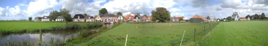 Het hele dorp. 140 inwoners