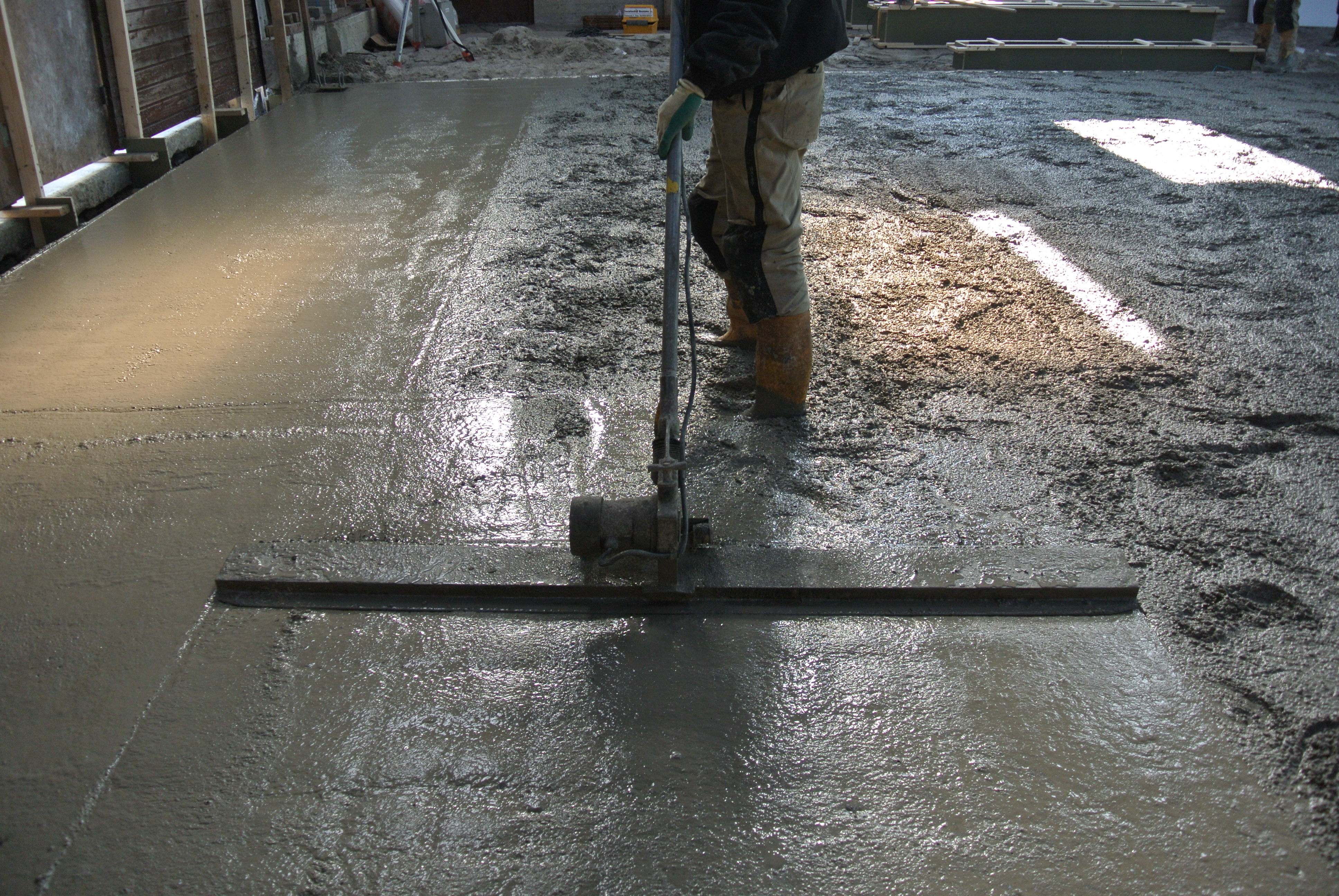 Beton Storten Tuin : Beton storten van schuur naar woonschuur