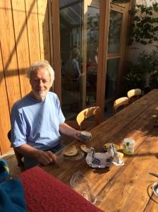 Zodra het kan ontbijt in de wintertuin